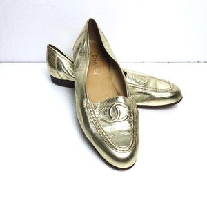 🌟 CHANEL GOLD LOAFERS!!